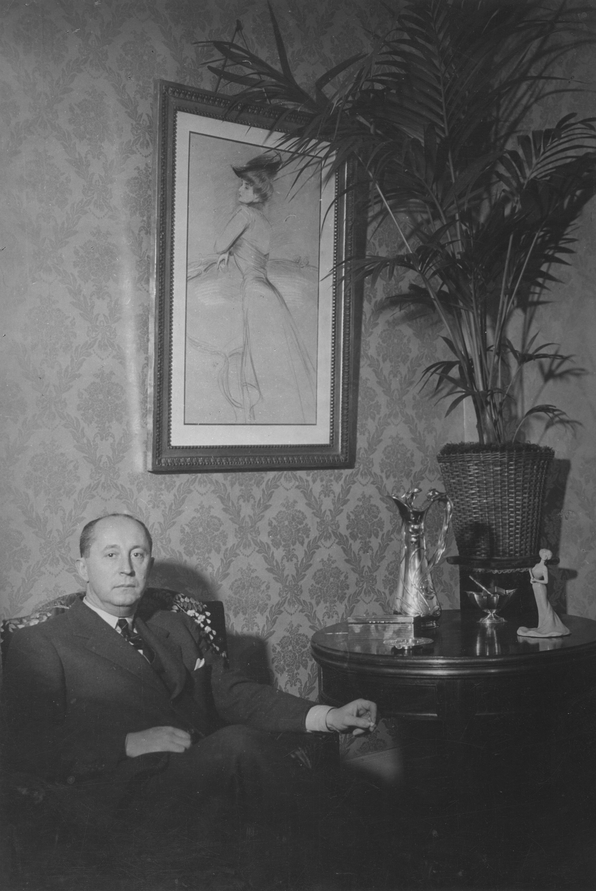 Brassa�, Christian Dior In His Apartment At 10 Rue Royale In Paris, Late  1946 To Early 1947