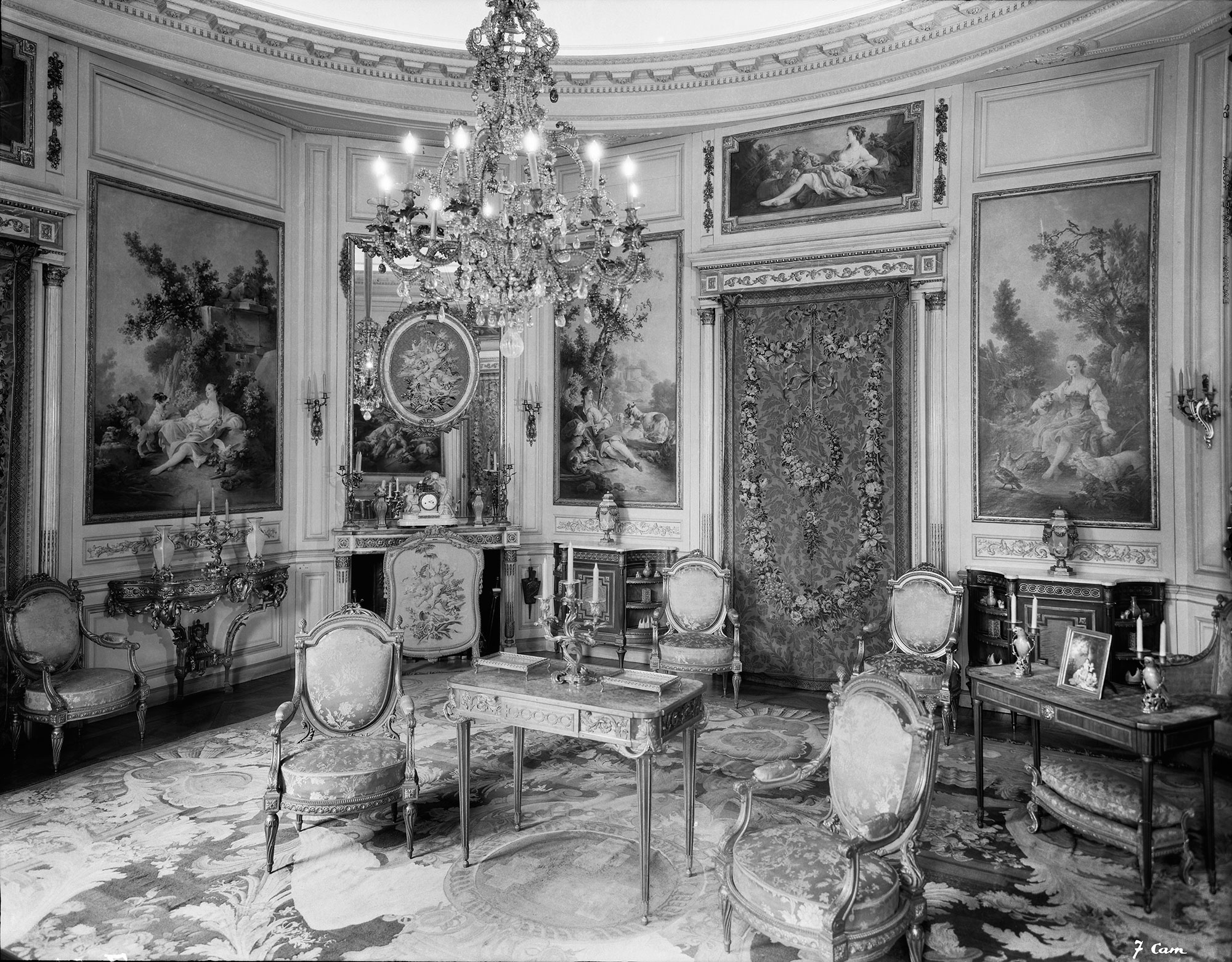 De la demeure au mus e photographies de l h tel particulier du comte mo se d - Canape mise en demeure ...