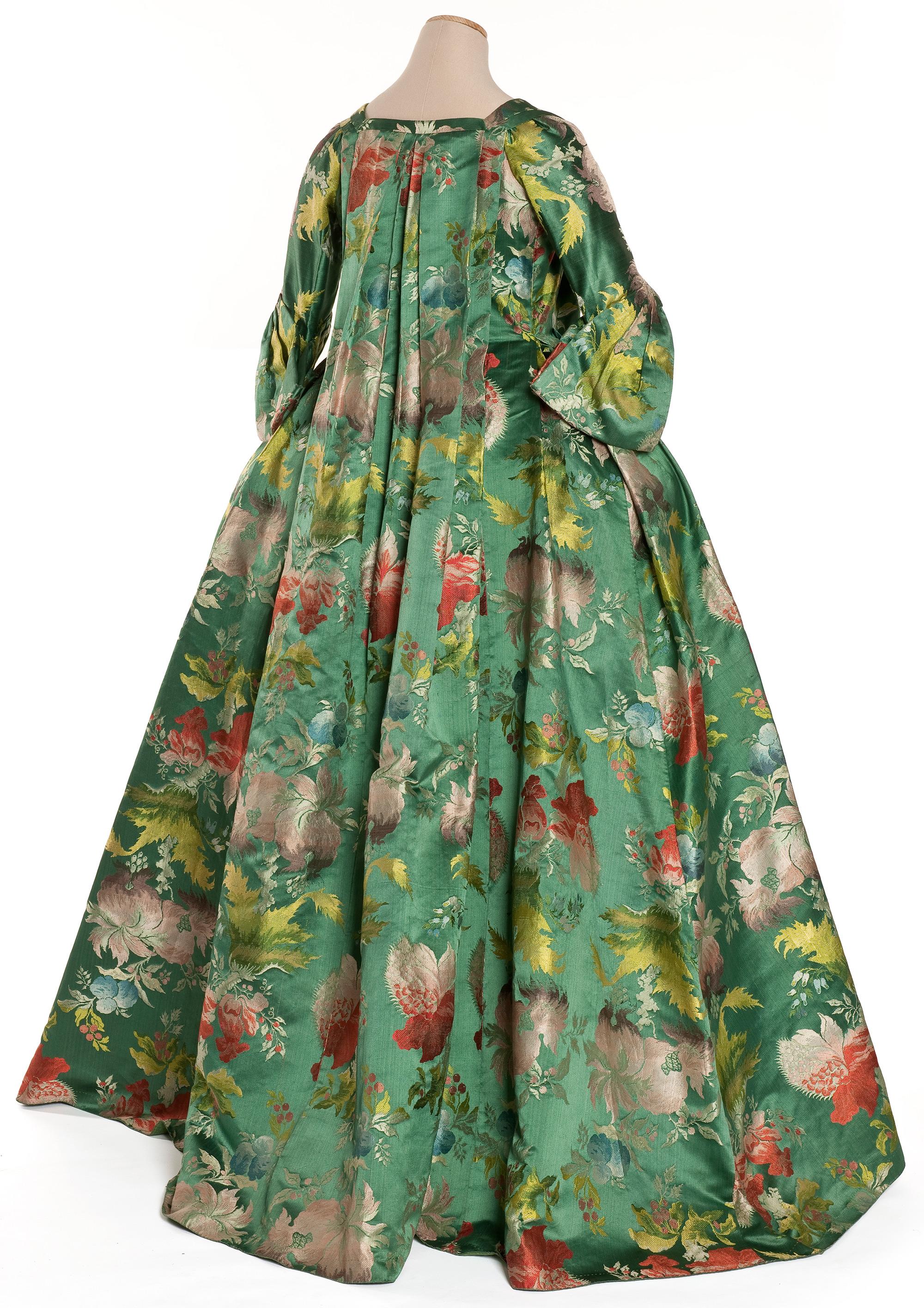 Robe de maison pour jeune fille