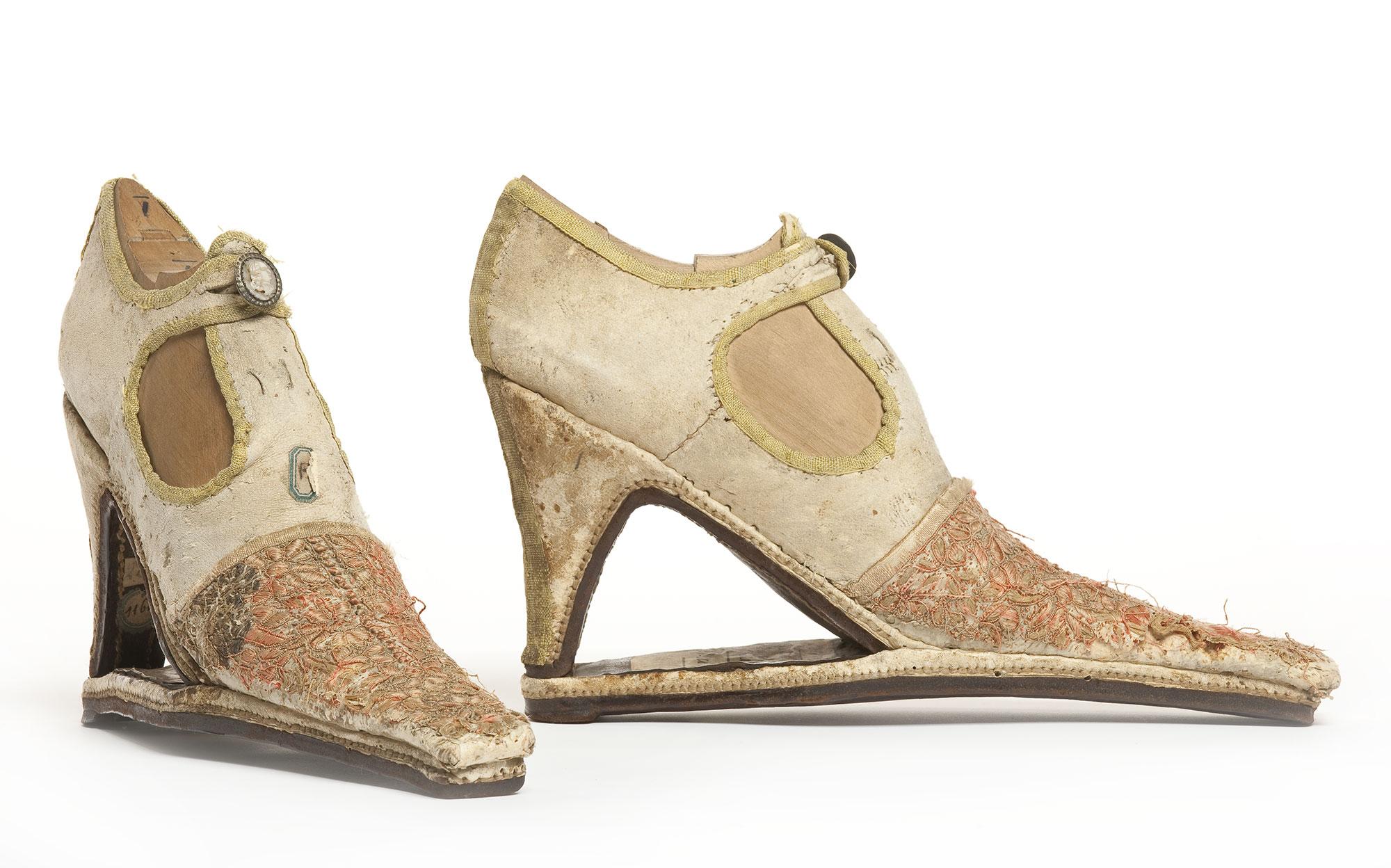 Marche et démarche. Une histoire de la chaussure du 7