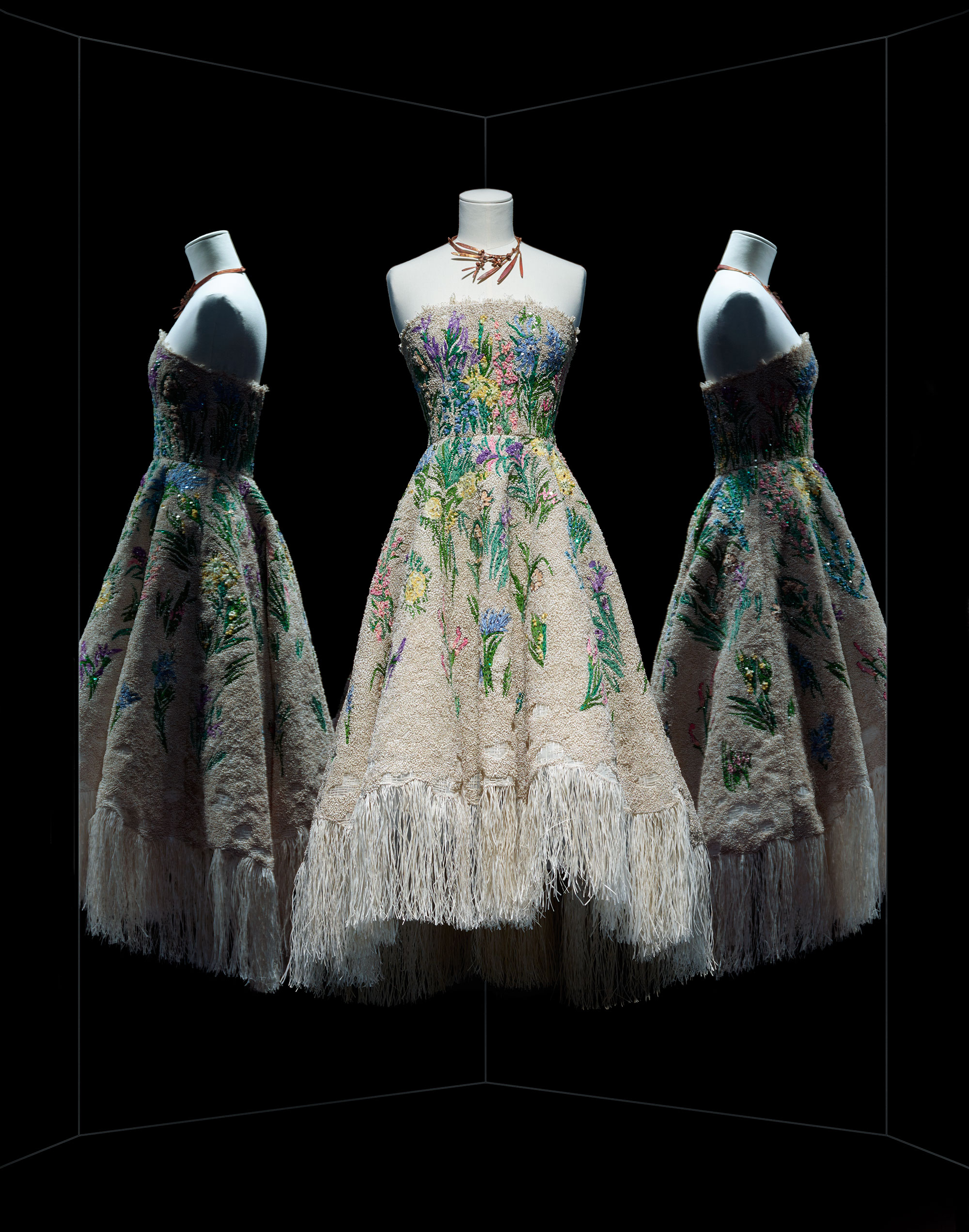 ... d herbier cocktail dress, Haute Couture, Spring-Summer 2017 Ecru fringe  cocktail dress, floral raffia and thread embroidery adomed with Swarovski  ... a9eea6e84208