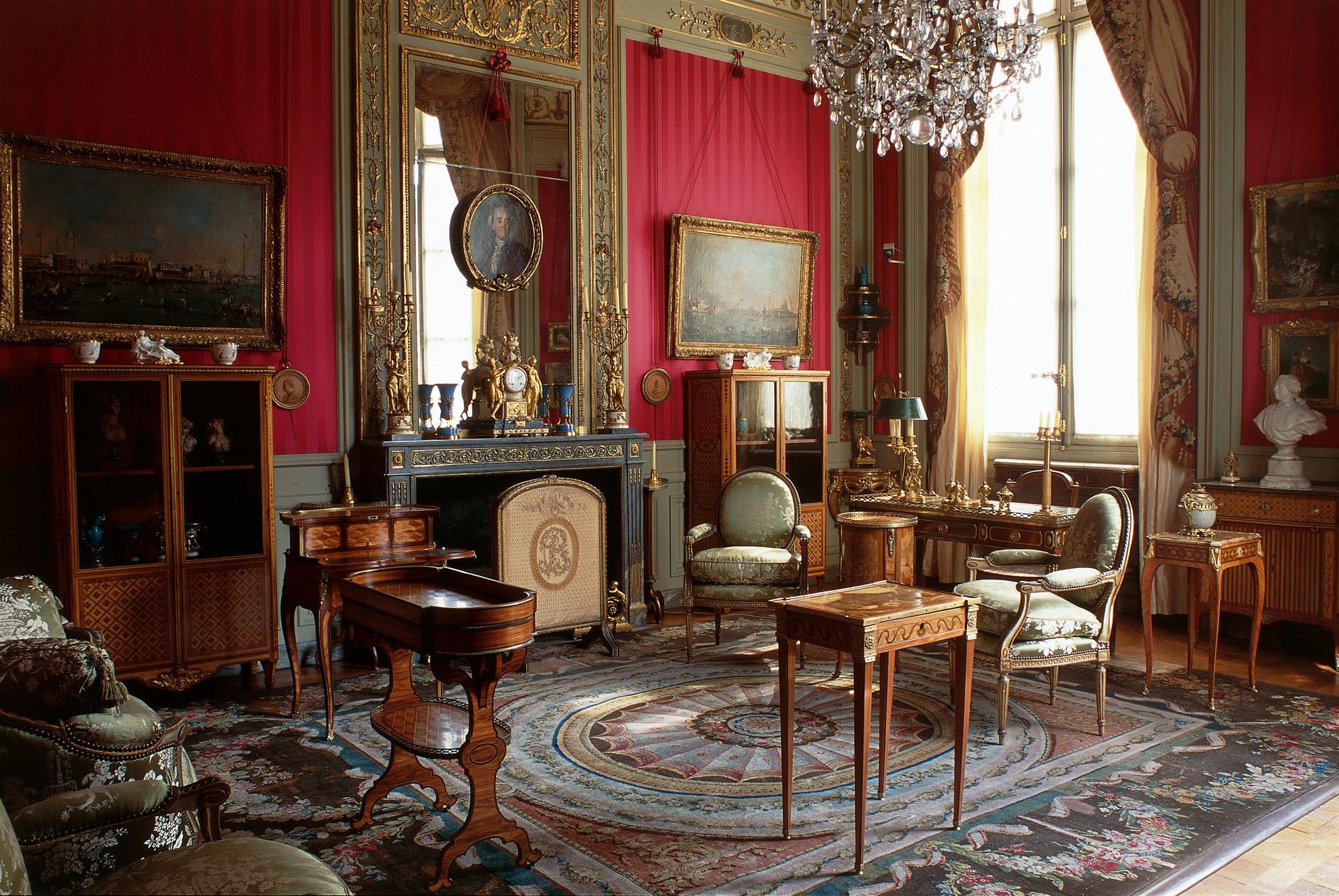 Museo De Les Arts Decorative Paris